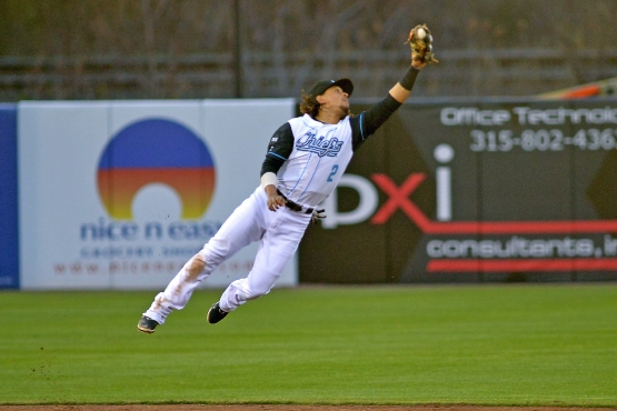 Emmanuel Burriss makes a leaping catch at shortstop. (Photo Credit: Rick Nelson)